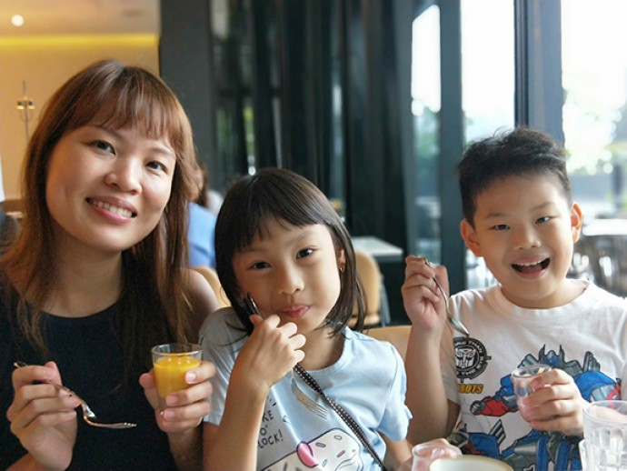 Rosalind Leong with her children